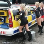 redline-girls-washing-car_resize
